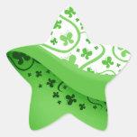 Mariposas abstractas verdes y blancas pegatina en forma de estrella