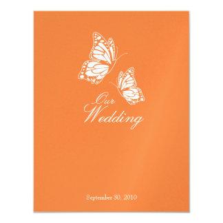 """Mariposas anaranjadas simples que casan la invitación 4.25"""" x 5.5"""""""
