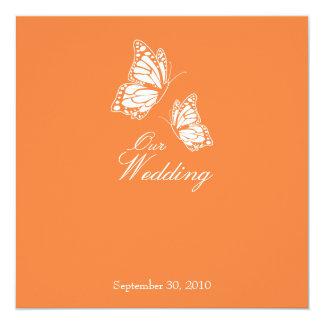 """Mariposas anaranjadas simples que casan la invitación 5.25"""" x 5.25"""""""