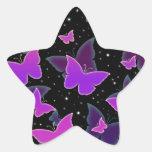 Mariposas cósmicas en púrpura calcomanía forma de estrella