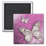 """""""Mariposas del brillo"""" (lila) por Cheryl Daniels Imán Cuadrado"""