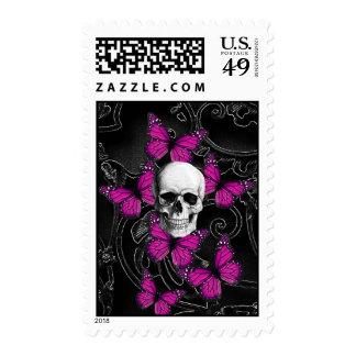 Mariposas del cráneo y de las rosas fuertes de la estampillas