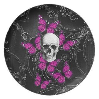 Mariposas del cráneo y de las rosas fuertes de la plato para fiesta
