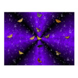Mariposas en arco iris lila postales