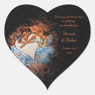 Mariposas en el pegatina del corazón de Samhain
