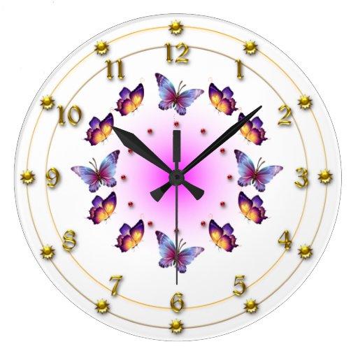 Mariposas en la crema graduada y el rosa reloj redondo grande
