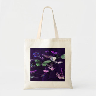 Mariposas en púrpura bolsas de mano