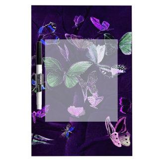 Mariposas en púrpura pizarras