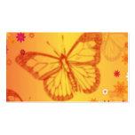 Mariposas en un fondo floral tarjeta de visita