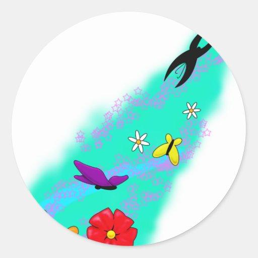 Mariposas, flores y estrellas pegatina redonda