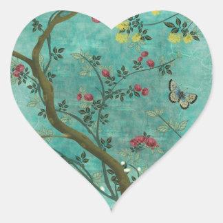 Mariposas hermosas del árbol del flor de la pegatina en forma de corazón