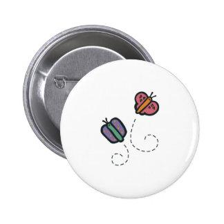 mariposas lindas divertidas del dibujo animado pin redondo de 2 pulgadas