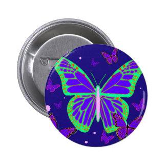 Mariposas luminosas fantasmagóricas por el arte de pin