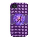 Mariposas púrpuras de los rosas del monograma iPhone 4 carcasa