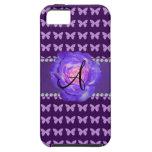Mariposas púrpuras de los rosas del monograma iPhone 5 Case-Mate funda