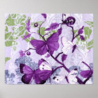 Mariposas púrpuras en la impresión de las ramas