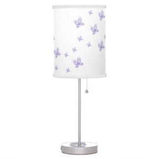Mariposas púrpuras lámpara de escritorio