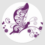 Mariposas púrpuras pegatina redonda