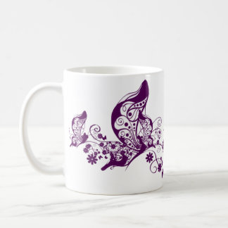 Mariposas púrpuras taza de café