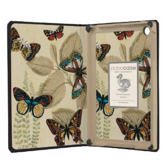 Mariposas que se deslizan sobre las hojas