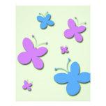 Mariposas rosadas y azules lindas membrete personalizado