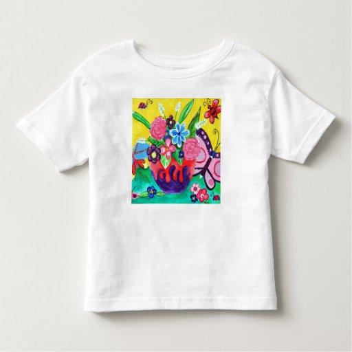 Mariposas y camiseta del niño de las mariquitas