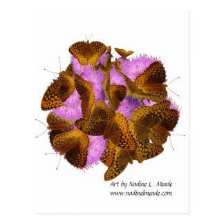 Mariposas y floraciones postal