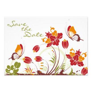 Mariposas y flores que casan reserva la fecha invitación