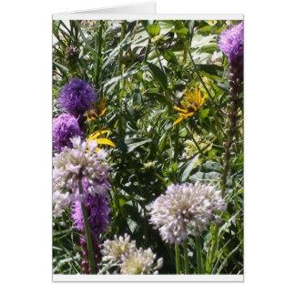Mariposas y flores tarjeta de felicitación