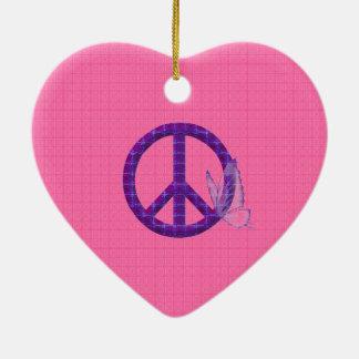 Mariposas y paz adorno navideño de cerámica en forma de corazón