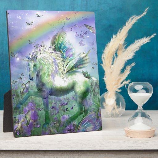 Mariposas y Ranbows del unicornio Placa De Plastico