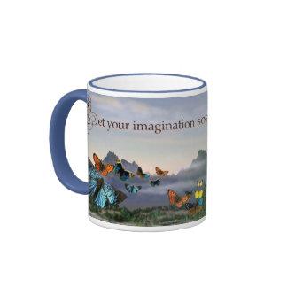 Mariposas y taza de la imaginación