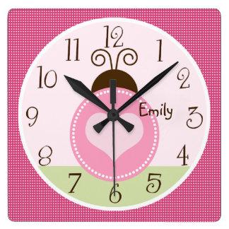 Mariquita bonita personalizada con el reloj de los