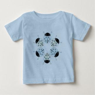 Mariquita del copo de nieve t-shirts