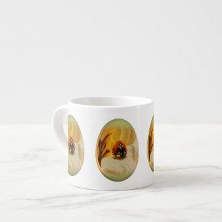 mariquita del huevo de Pascua Taza De Espresso