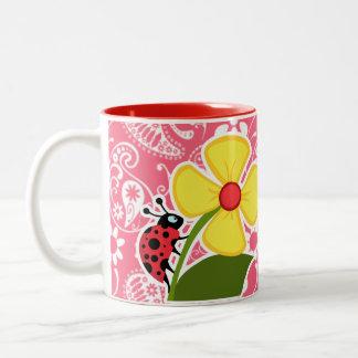 Mariquita linda en el rosa Paisley del borde Flor Taza