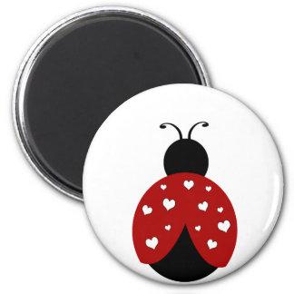 Mariquita negra y roja del corazón imán redondo 5 cm