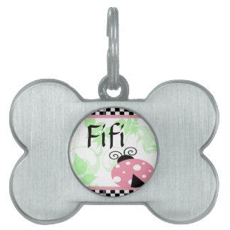 Mariquita rosada, placas de nombre de mascota