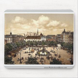 Market, Bremerhafen, Hanover (i.e. Hannover), Germ Mouse Pads