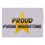 Márketing orgulloso del teléfono felicitacion