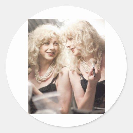 Marlene en mirror.jpg pegatina redonda