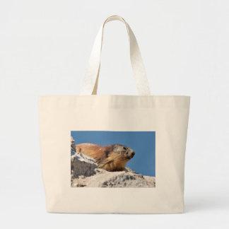 Marmota alpina en roca bolsa de tela grande