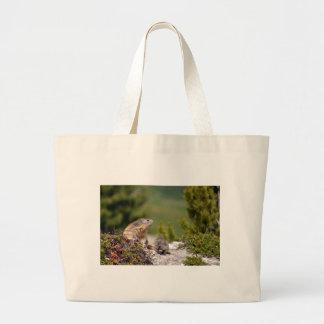 Marmota alpina y sus jóvenes bolsa de tela grande