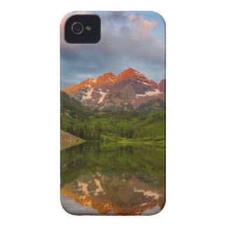 Maroon Bells Reflect Into Calm Maroon Lake 3 Case-Mate iPhone 4 Case
