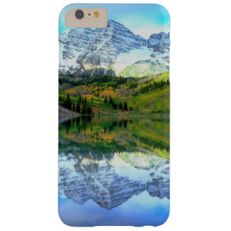 Maroon Bells reflecting in Maroon Lake Barely There iPhone 6 Plus Case