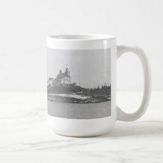 Marquette Harbor Lighthouse 2 Coffee Mug
