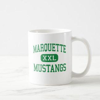 Marquette - mustangos - alto - Chesterfield Taza Básica Blanca