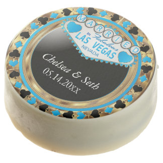 Married in Las Vegas | Baby Blue Poker Chip Chocolate Covered Oreo