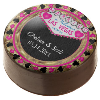 Married in Las Vegas | Pink Poker Chip Chocolate Dipped Oreo