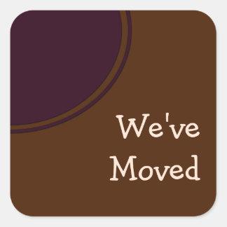 marrón púrpura hemos movido la invitación pegatina cuadrada